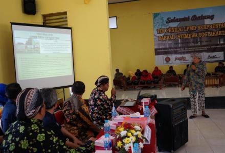 Kunjungan Lapangan Tim Penilai LPMD Berprestasi Tingkat DIY di Desa Baturetno