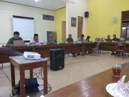 Rapat paripurna BPD dan pemerintah desa Baturetno dalam rangka pengesahan APBDes